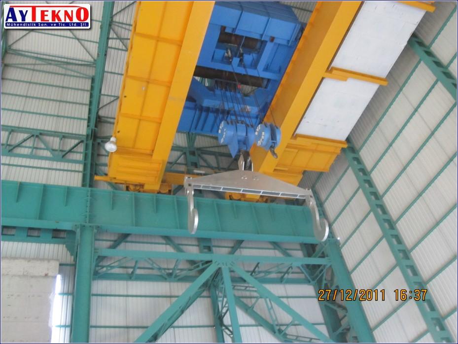 meltshop crane panel
